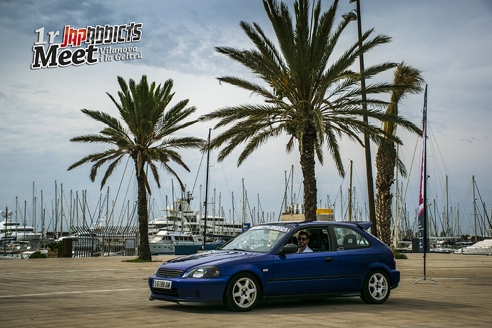 Civic Ek azul